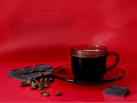 Черный кофе с шоколадом