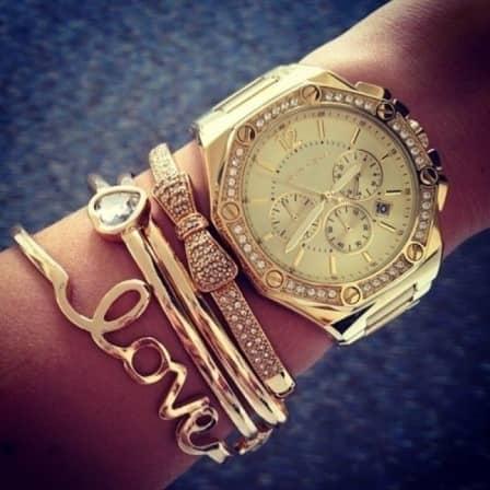 Стильные и модные женские часы