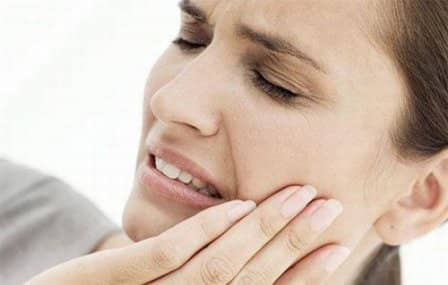Как избавиться от зубной боли в домашних условиях?