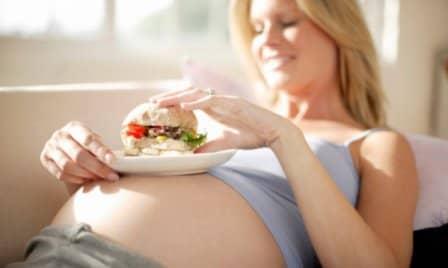 Лишний вес во время беременности: что делать?