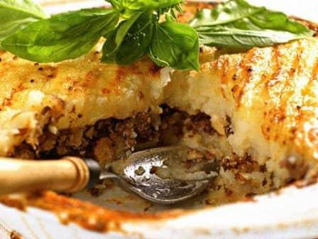 Запечённый картофель с мясом и морковью