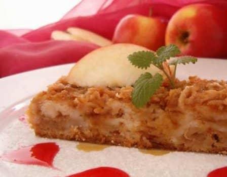 Яблочный рассыпчатый пирог