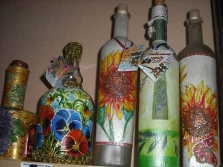 Украшение бутылок и фужеров в технике декупажа - основные этапы работы