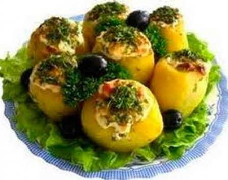Картофель, фаршированный солеными грибами
