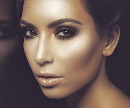 Визуальная коррекция формы носа с помощью косметики