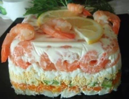 Салат с креветками (слоями)