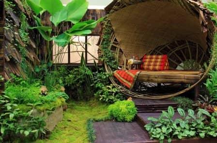 Уютный уголок на дачном участке