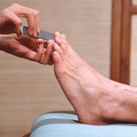 Мужской педикюр в домашних условиях: инструменты и технология процедуры