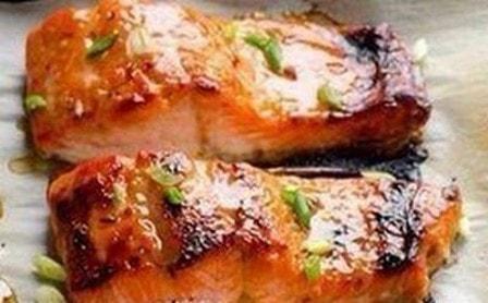 Красная рыба в фольге