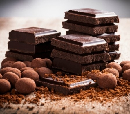 Темный шоколад приостанавливает старение - мнение ученых