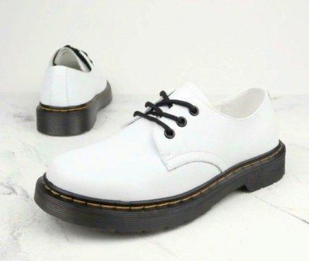 Преимущественные акценты, которые надлежит выделить при выборе женской обуви