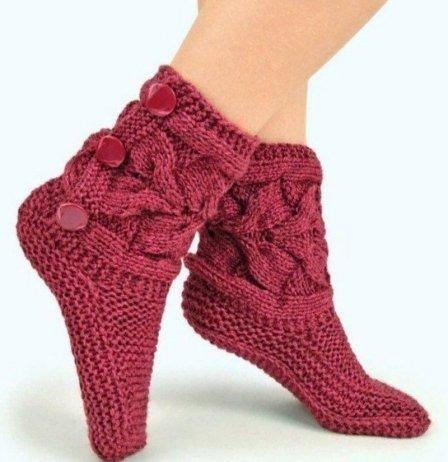 Вязаные стильные носочки